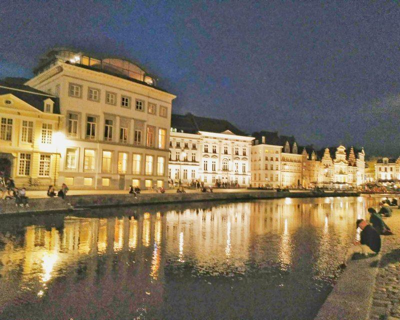 canal de Gante à noite iluminado
