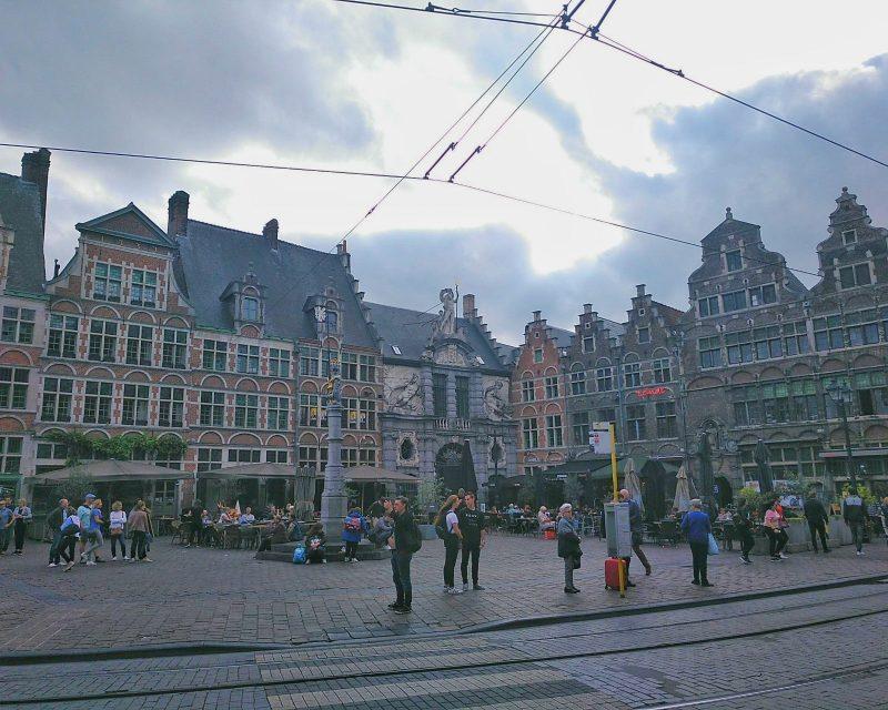 praça antiga no centro de Gante