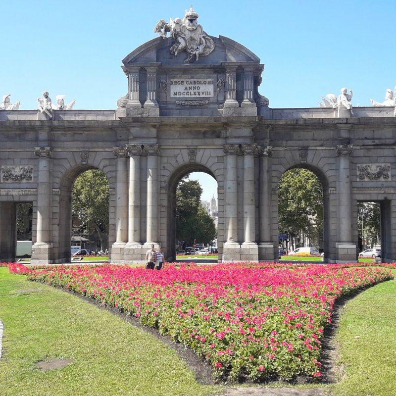 viagem virtual por Madrid porta de Alcala