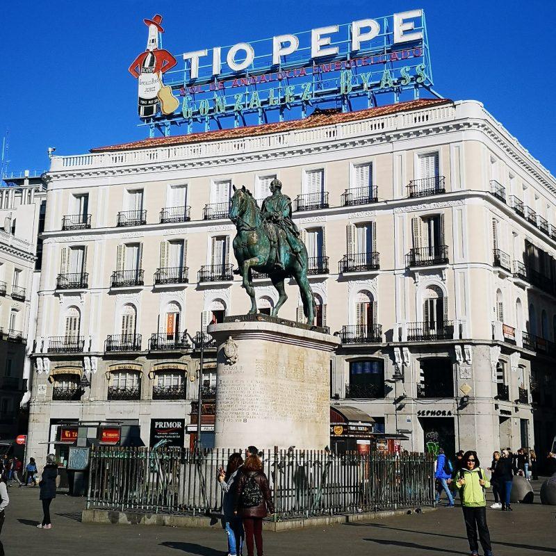 porta dosol em Madride cavalo rei Carlos III