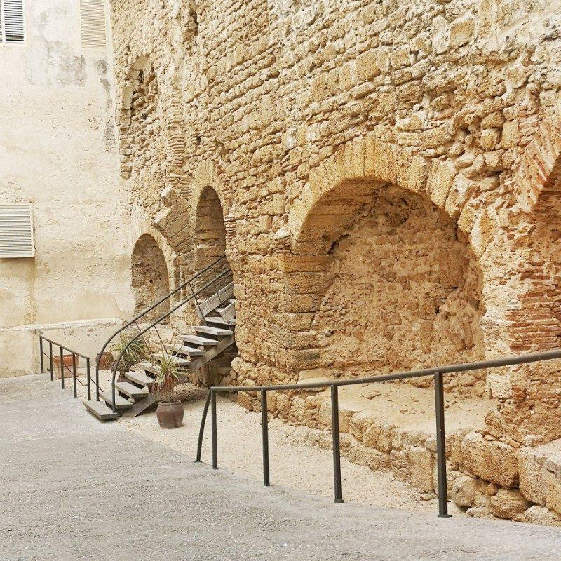 Praias da Espanha muralha de Cádiz