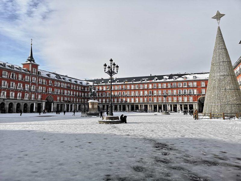 nevasca em madrid plaza mayor