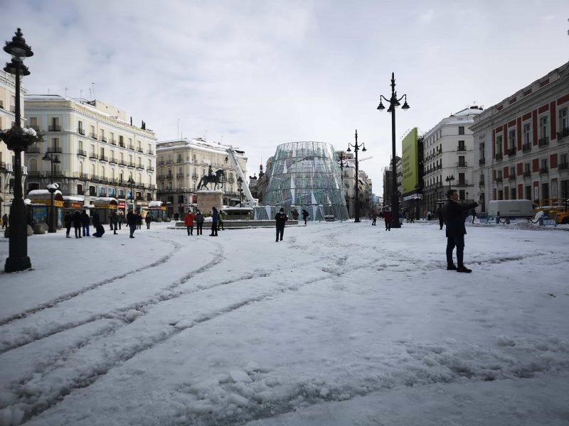 Puerta del sol nevasca em Madrid