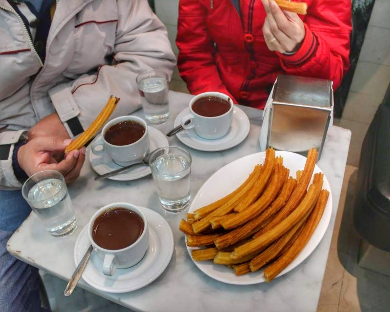 chocolate com churros em Madrid San Gines